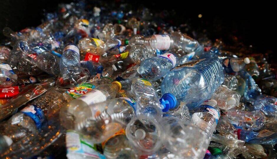 Tas de bouteilles plastiques